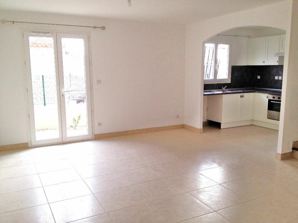 Maison à louer 4 78m2 à Châteaurenard vignette-3