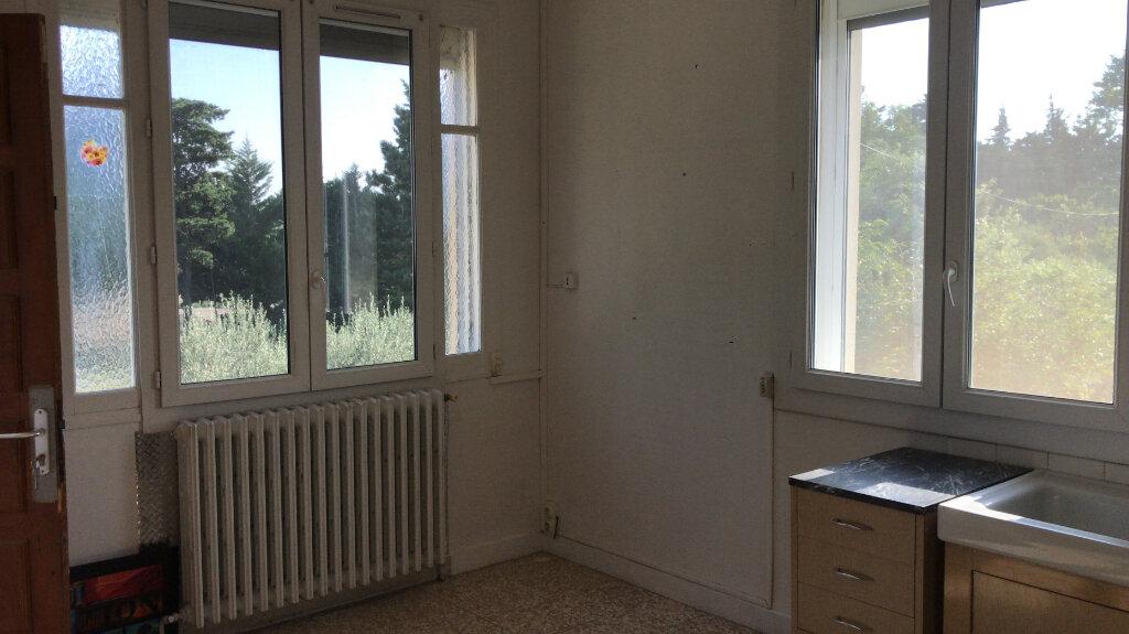 Appartement à louer 3 68m2 à Châteaurenard vignette-3