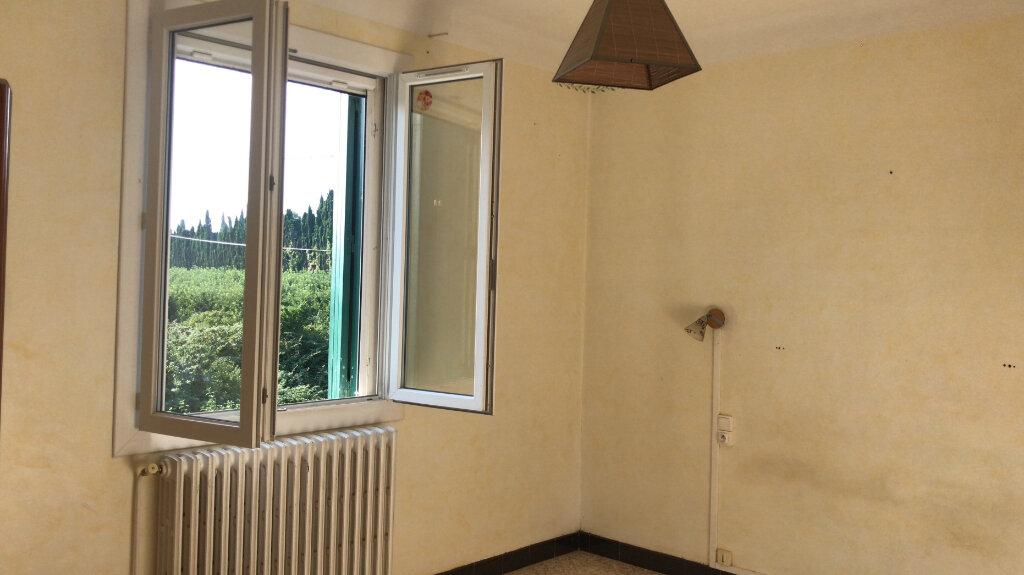 Appartement à louer 3 68m2 à Châteaurenard vignette-7
