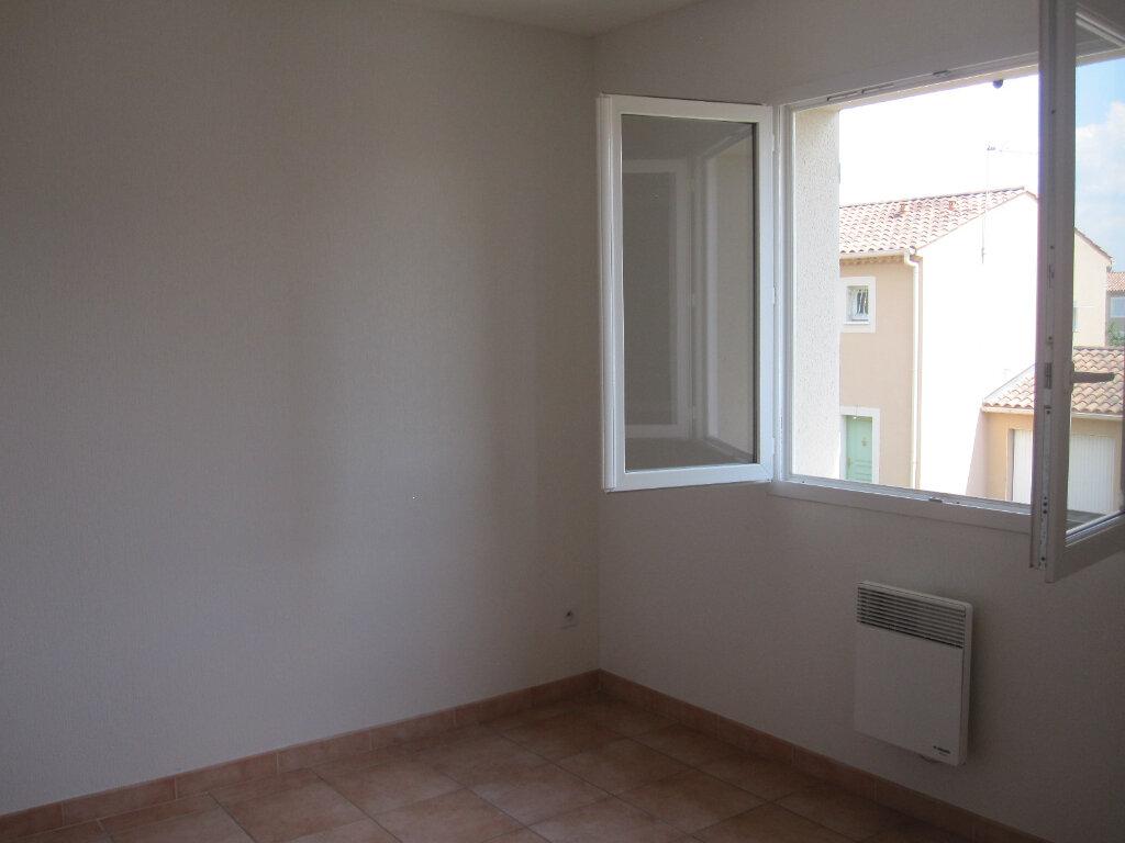 Maison à louer 4 87m2 à Graveson vignette-5