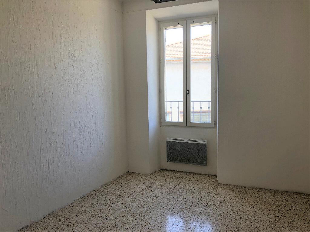 Appartement à louer 3 59m2 à Châteaurenard vignette-4