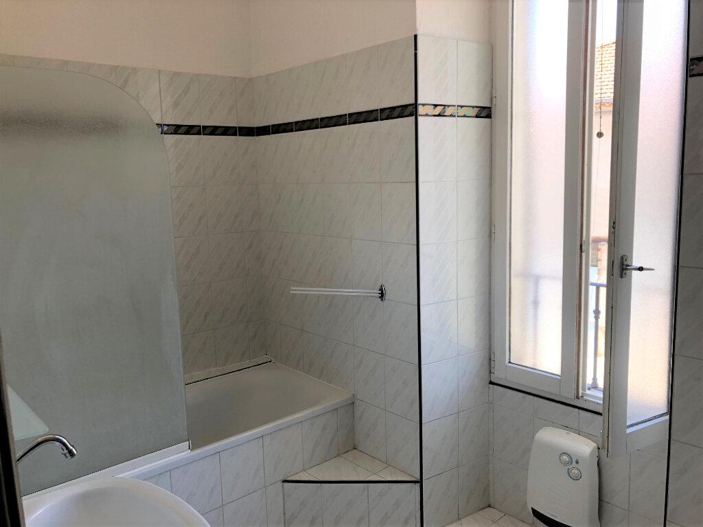 Appartement à louer 3 59m2 à Châteaurenard vignette-5