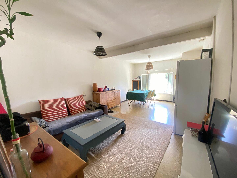 Appartement à louer 2 39m2 à Barbentane vignette-2