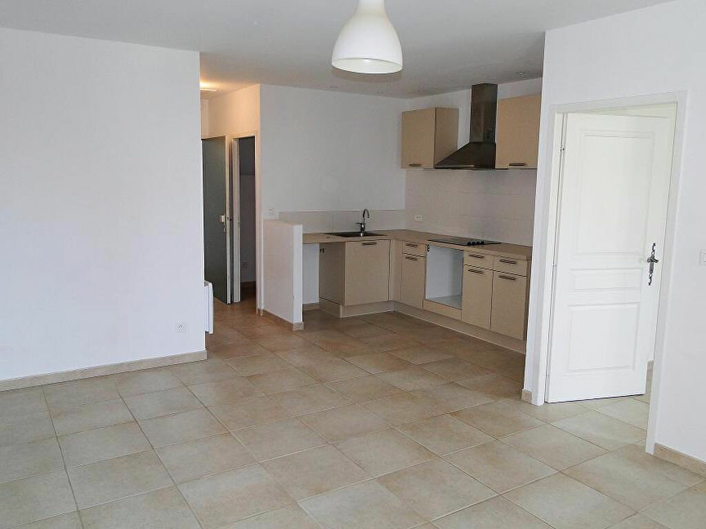 Appartement à louer 2 43m2 à Graveson vignette-1
