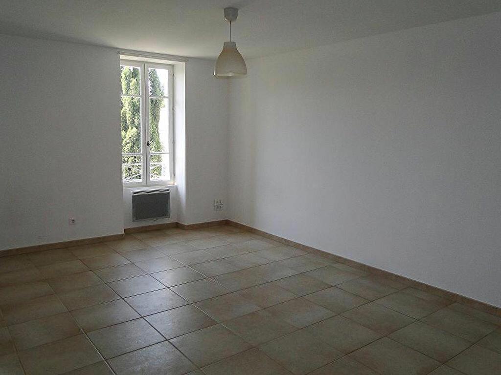 Appartement à louer 2 43m2 à Graveson vignette-2