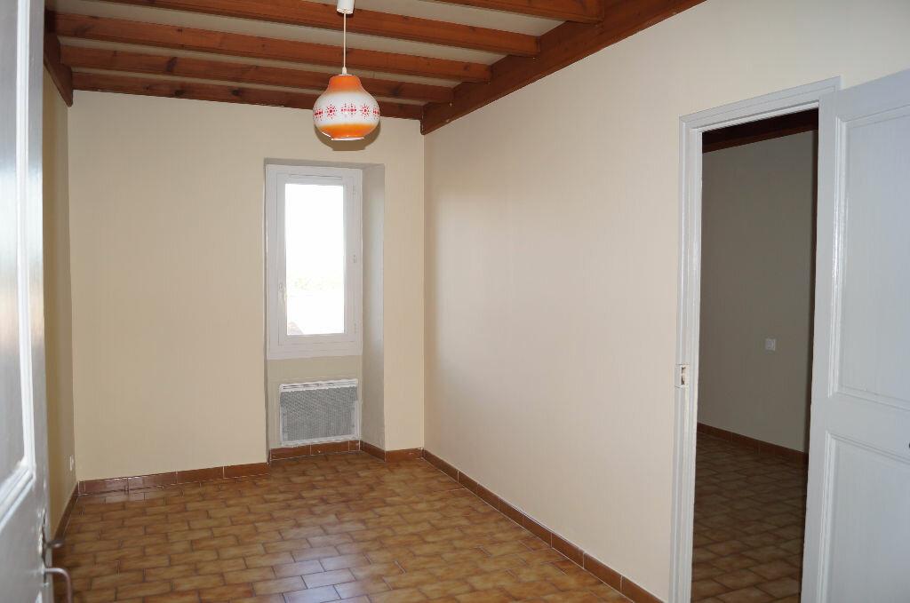 Appartement à louer 3 47m2 à Barbentane vignette-3