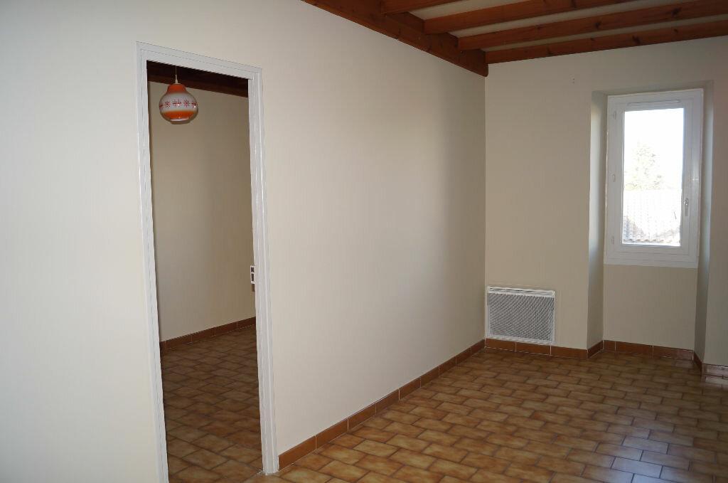 Appartement à louer 3 47m2 à Barbentane vignette-5