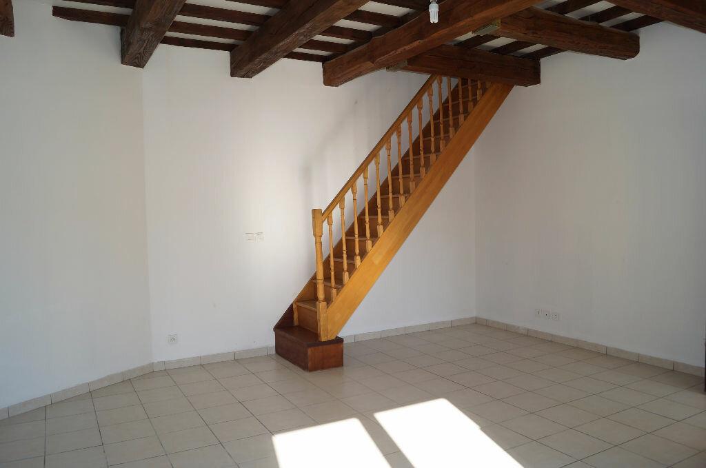 Appartement à louer 3 64.41m2 à Cheval-Blanc vignette-2