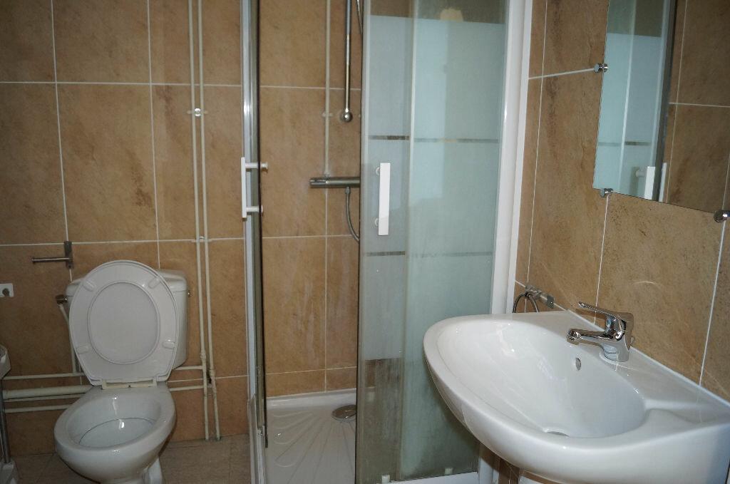 Appartement à louer 3 64.41m2 à Cheval-Blanc vignette-4