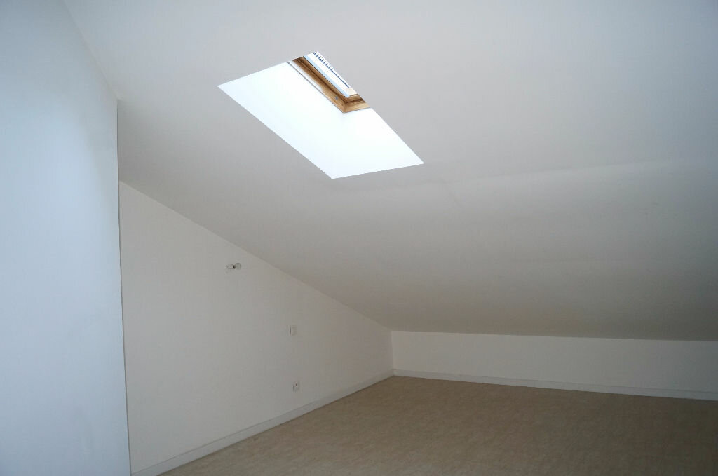 Appartement à louer 3 64m2 à Cheval-Blanc vignette-3