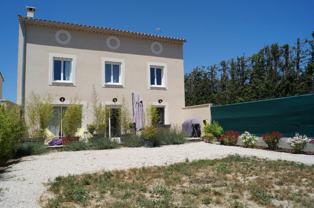 Maison à louer 5 170m2 à Châteaurenard vignette-1