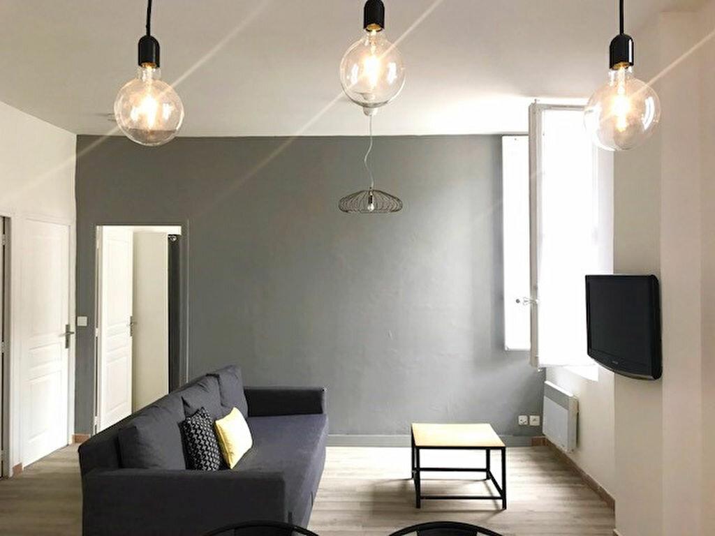 Appartement à louer 3 62m2 à Avignon vignette-2