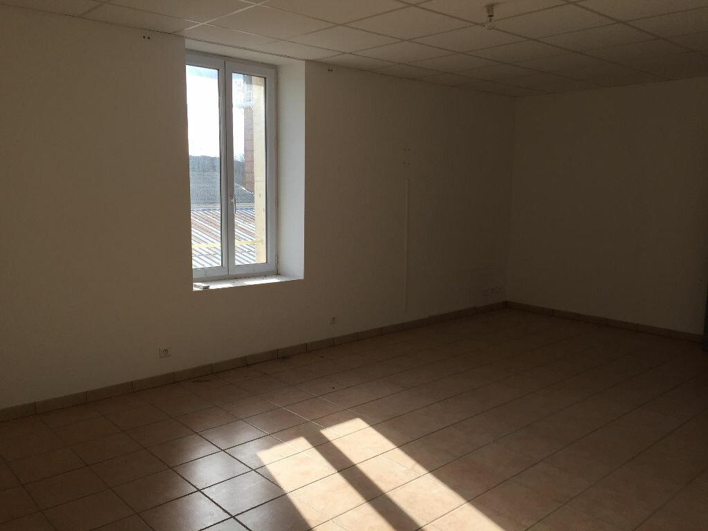 Appartement à louer 3 87m2 à Cheval-Blanc vignette-4