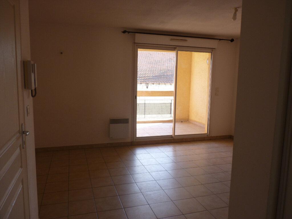 Appartement à vendre 3 63.06m2 à Châteaurenard vignette-2