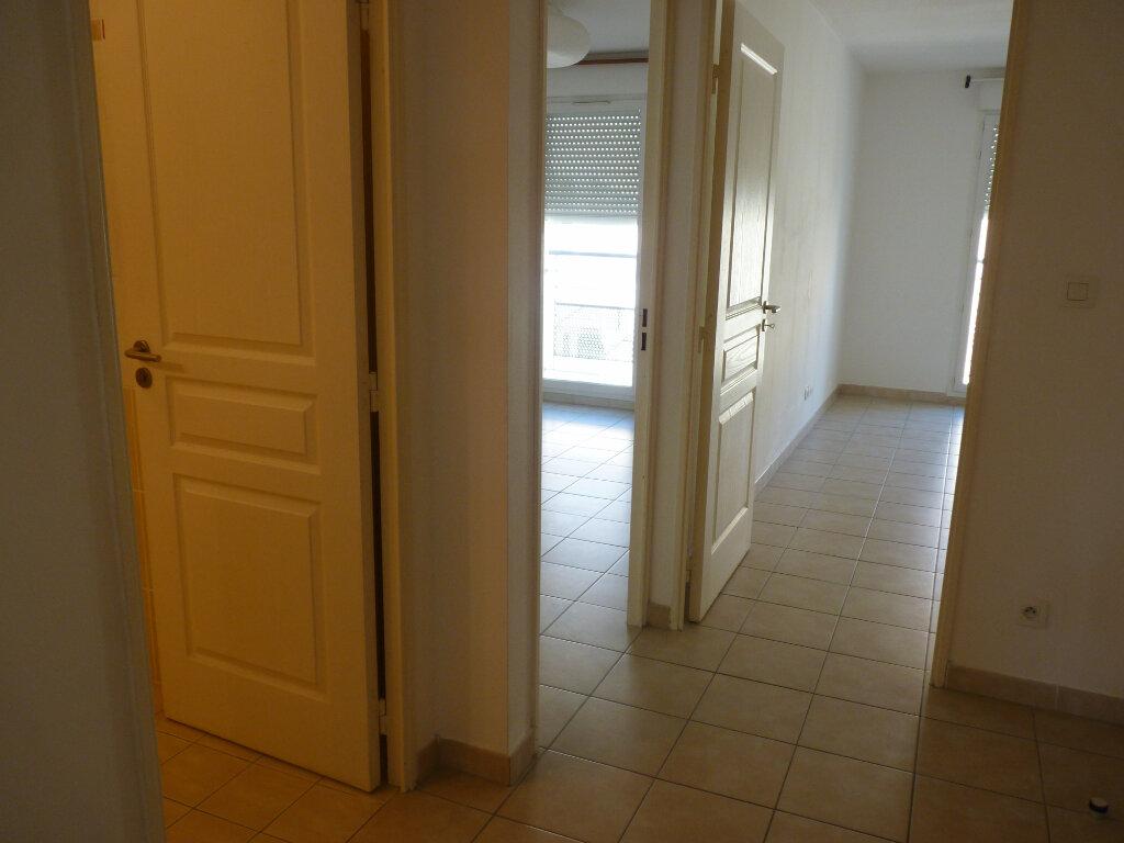 Appartement à vendre 3 63.06m2 à Châteaurenard vignette-4