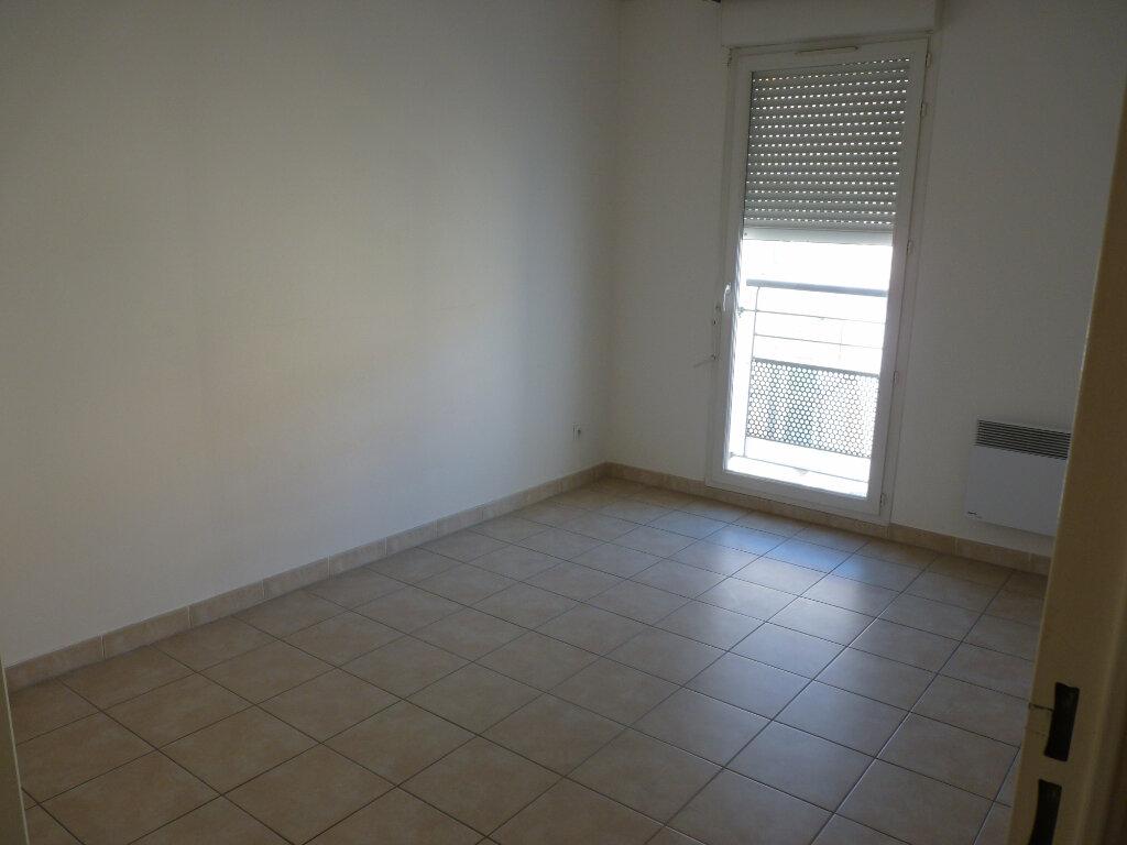 Appartement à vendre 3 63.06m2 à Châteaurenard vignette-5