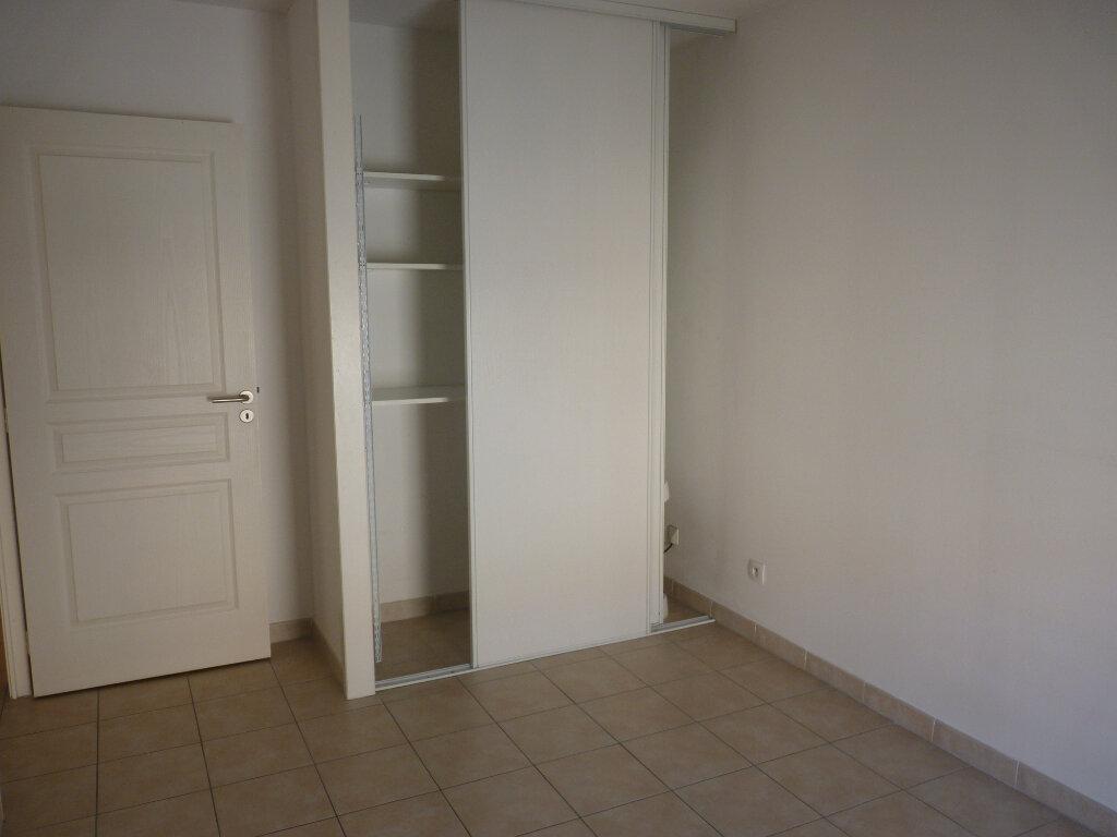 Appartement à vendre 3 63.06m2 à Châteaurenard vignette-6
