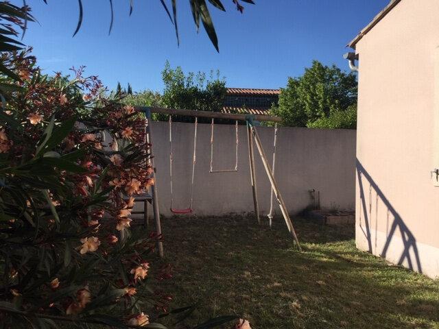 Maison à louer 4 100m2 à Rognonas vignette-4