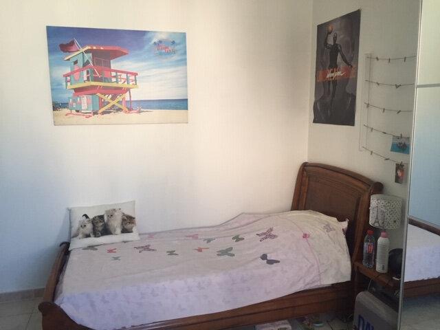Maison à louer 4 100m2 à Rognonas vignette-6