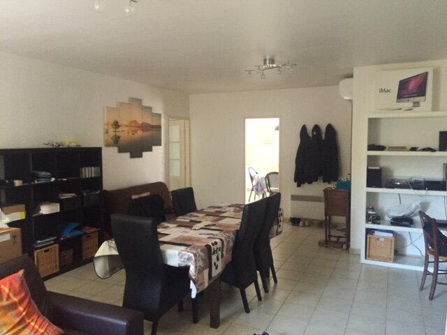 Maison à louer 4 100m2 à Rognonas vignette-7
