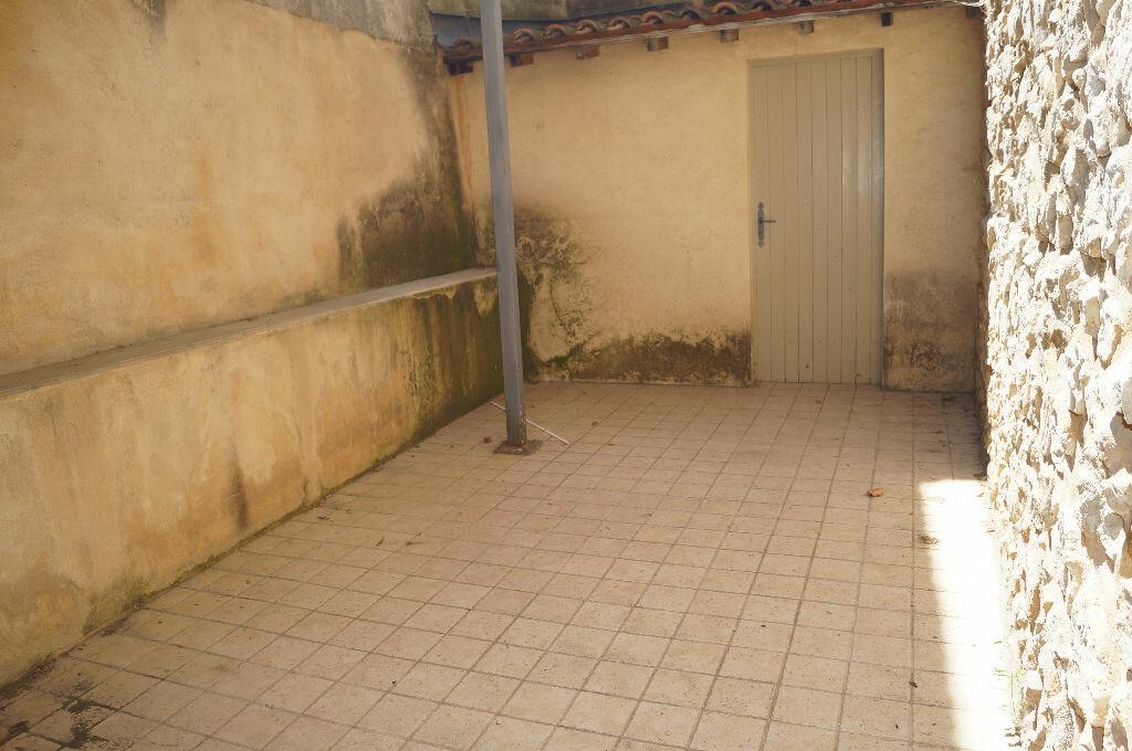 Appartement à louer 3 60m2 à Châteaurenard vignette-2