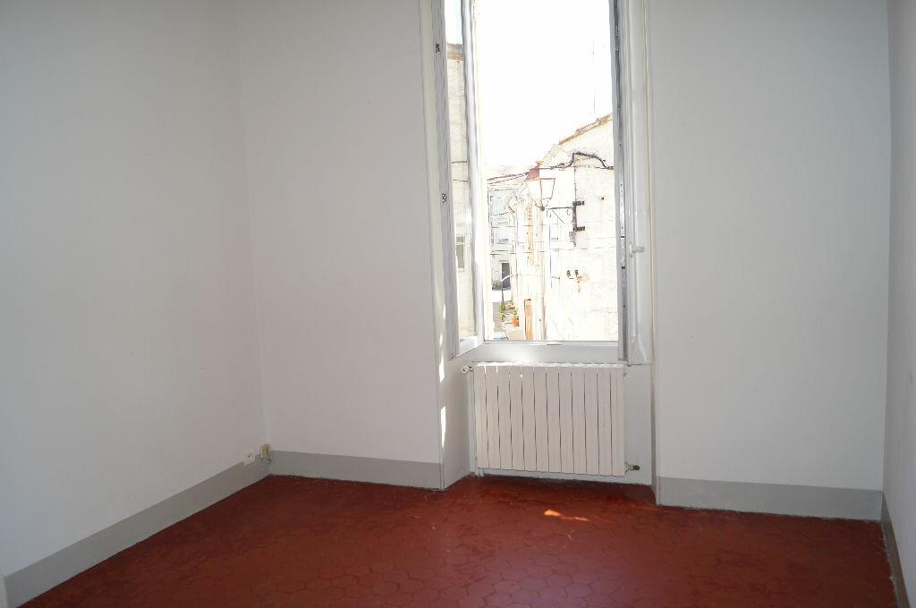 Appartement à louer 3 60m2 à Châteaurenard vignette-5