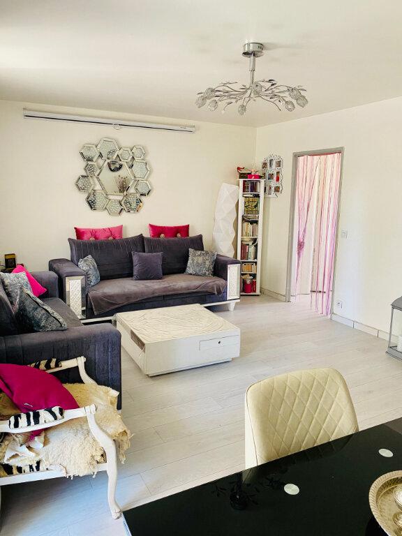 Appartement à vendre 4 85.5m2 à Stains vignette-4