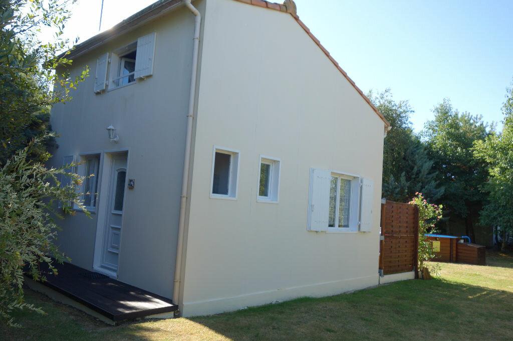Maison à vendre 6 130m2 à Talmont-Saint-Hilaire vignette-5