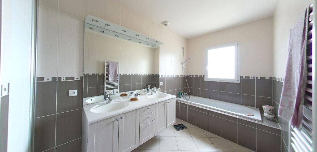 Maison à vendre 6 177m2 à Talmont-Saint-Hilaire vignette-4