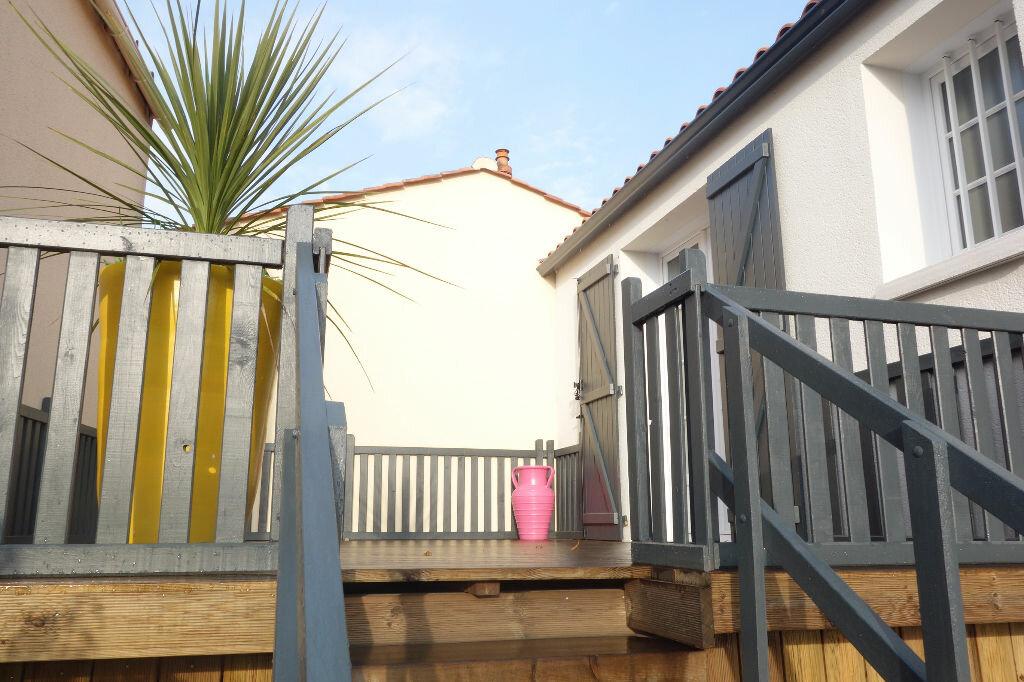 Maison à vendre 5 95m2 à Talmont-Saint-Hilaire vignette-1