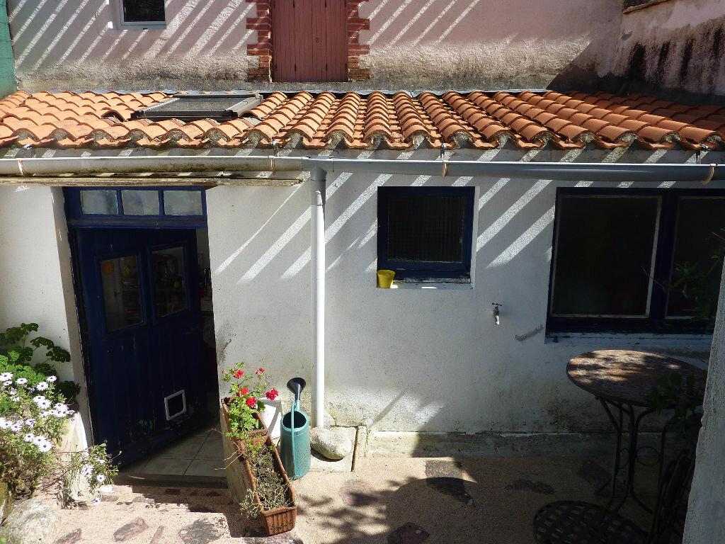 Maison à vendre 3 65m2 à Talmont-Saint-Hilaire vignette-4