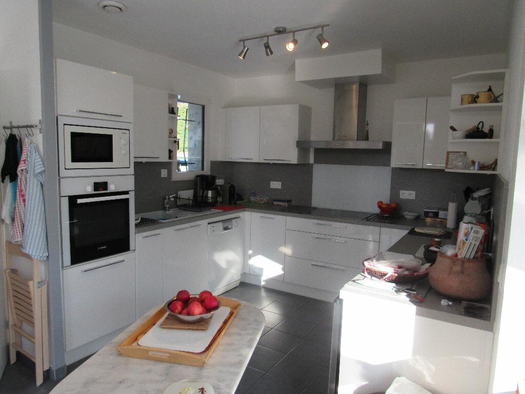 Maison à vendre 6 120m2 à Talmont-Saint-Hilaire vignette-3