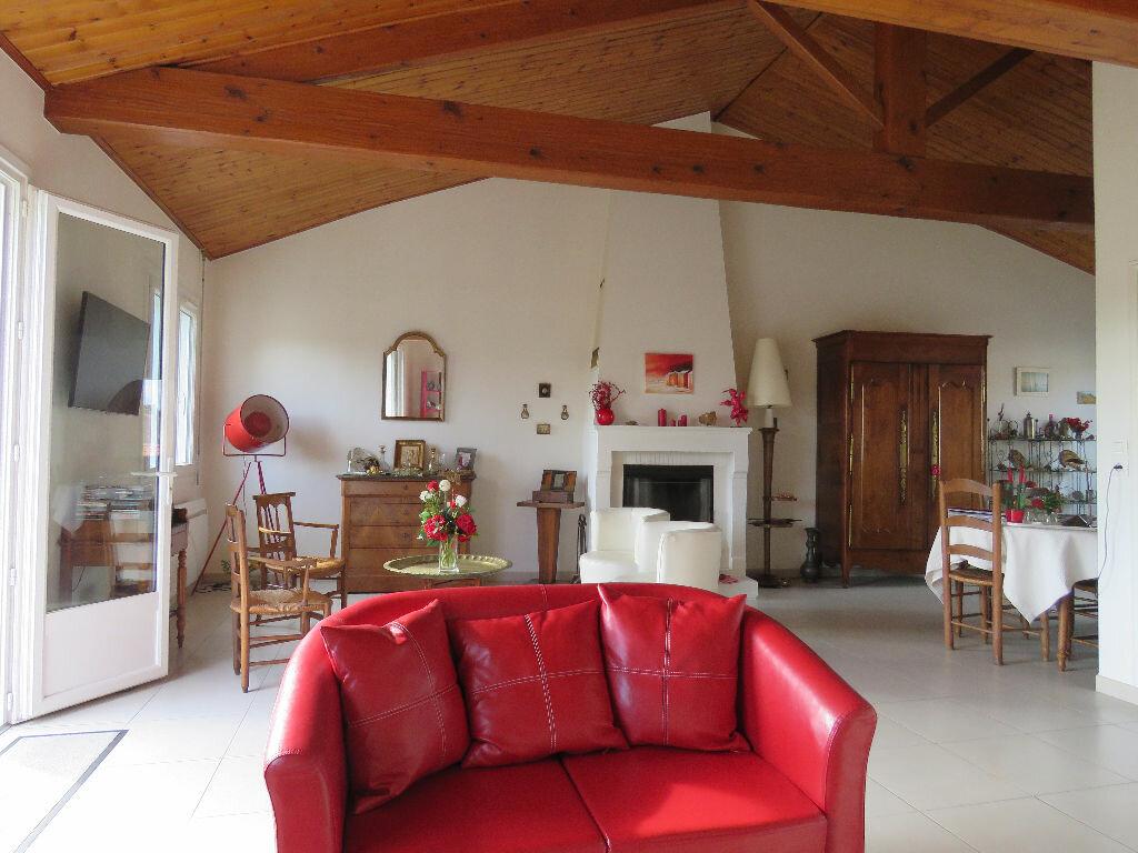 Maison à vendre 8 160m2 à Talmont-Saint-Hilaire vignette-2