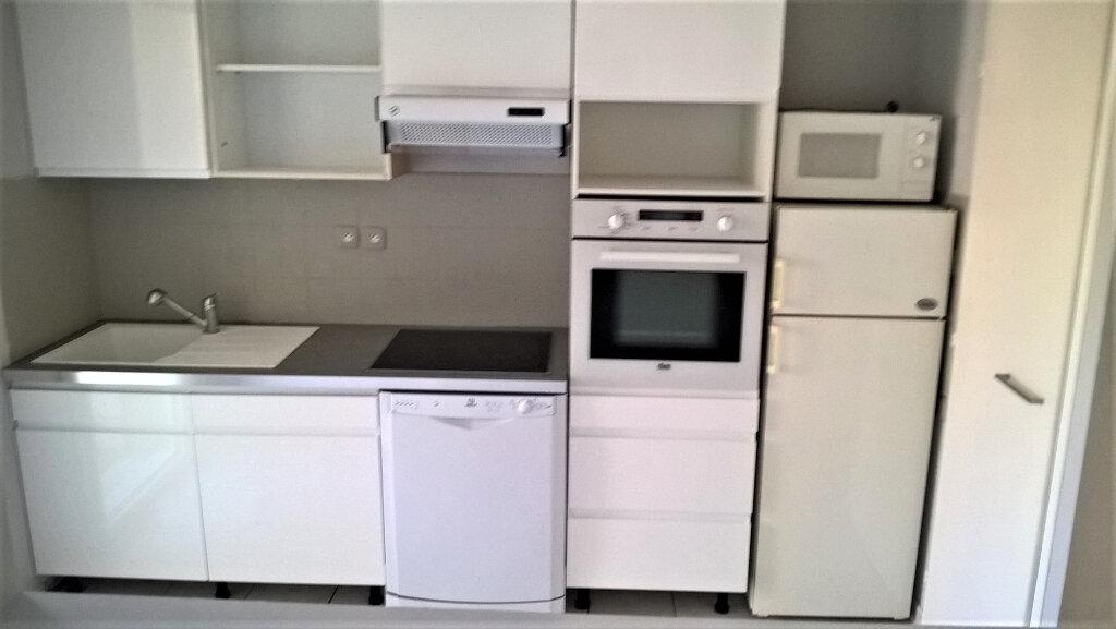 Appartement à vendre 3 64m2 à Château-d'Olonne vignette-2