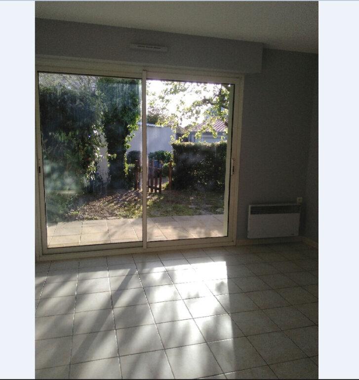 Appartement à vendre 3 64m2 à Château-d'Olonne vignette-3