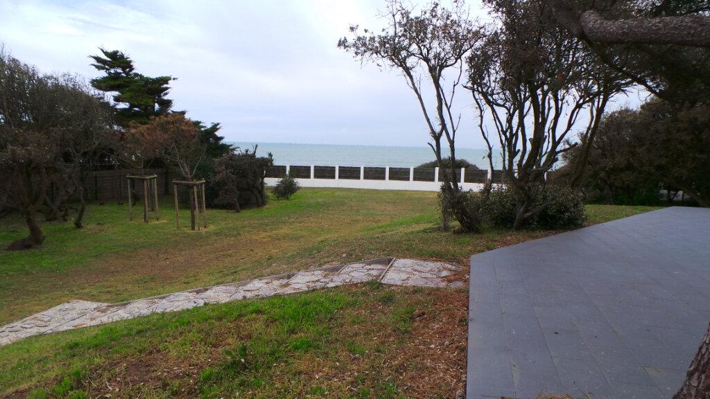 Maison à vendre 10 260m2 à Talmont-Saint-Hilaire vignette-1