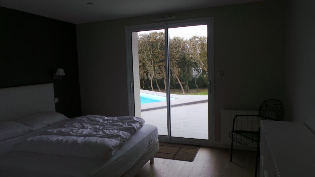 Maison à vendre 10 260m2 à Talmont-Saint-Hilaire vignette-10