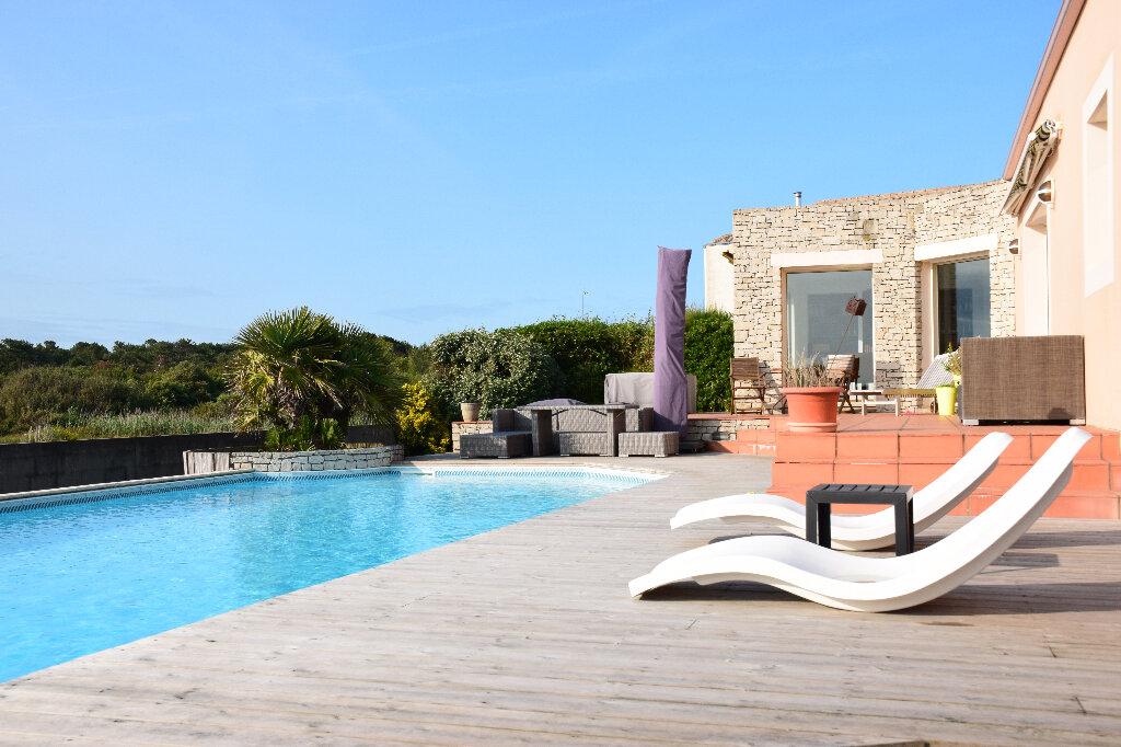 Maison à vendre 7 175m2 à Château-d'Olonne vignette-2