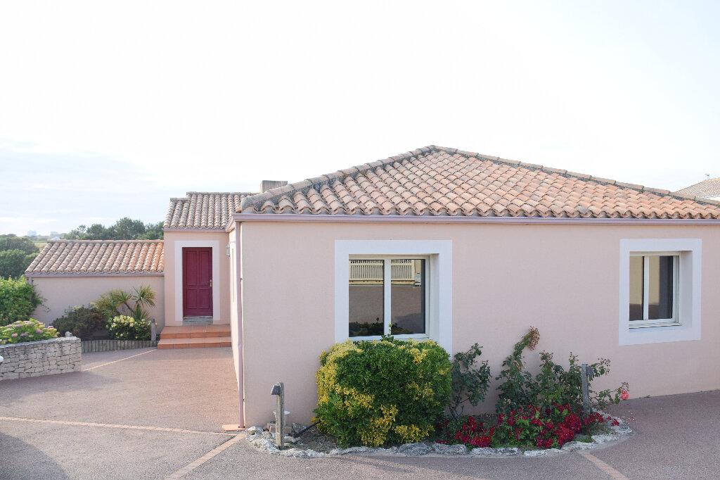 Maison à vendre 7 175m2 à Château-d'Olonne vignette-9