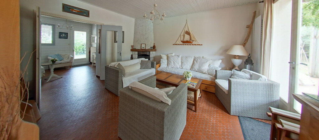 Maison à vendre 8 166.22m2 à Talmont-Saint-Hilaire vignette-5