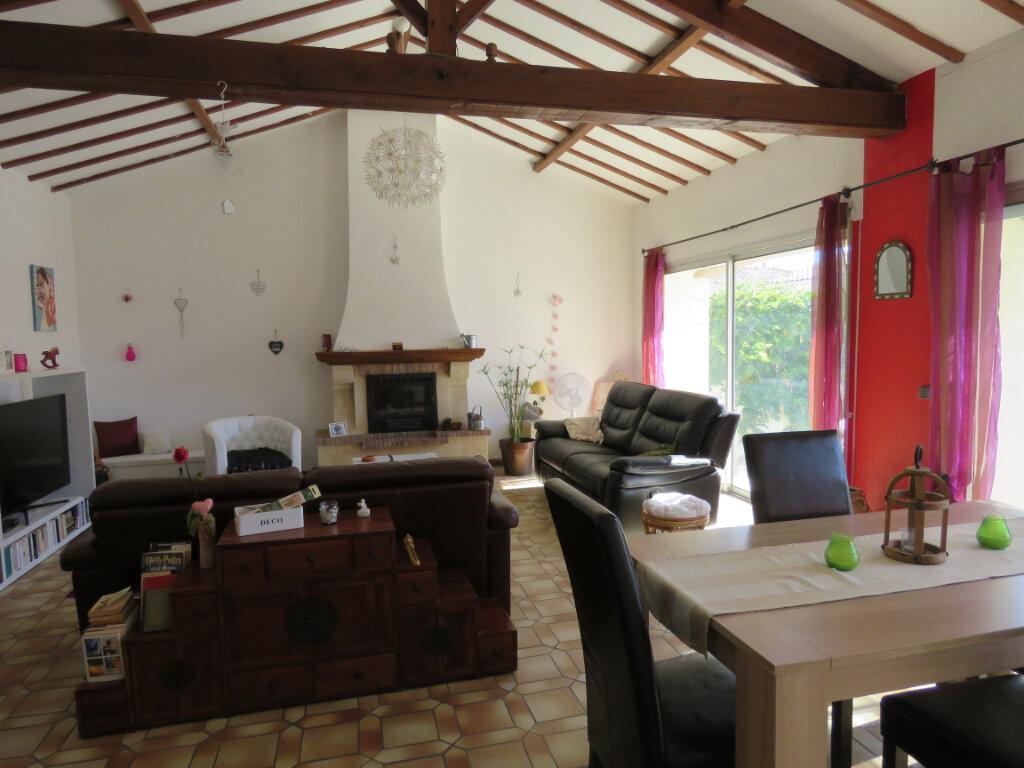 Maison à vendre 4 113m2 à Talmont-Saint-Hilaire vignette-1