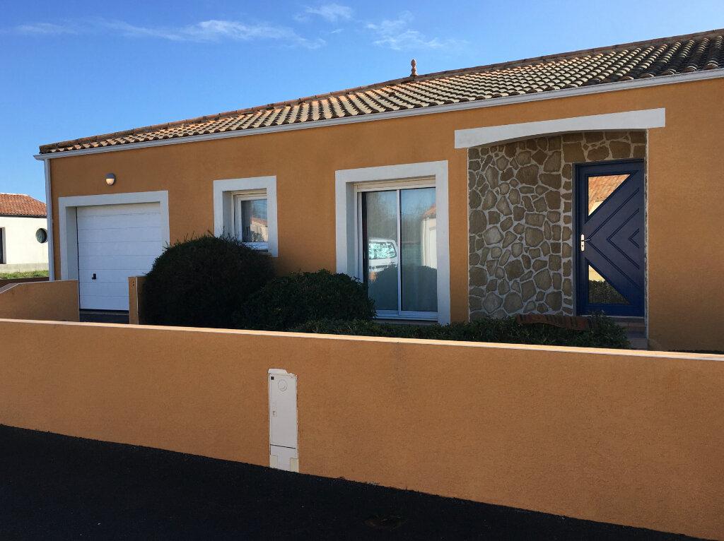 Maison à vendre 7 201m2 à Château-d'Olonne vignette-4