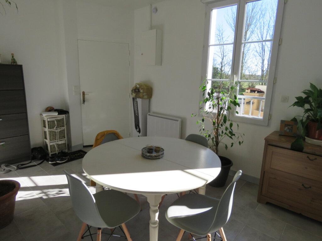 Maison à vendre 5 103m2 à Grosbreuil vignette-2