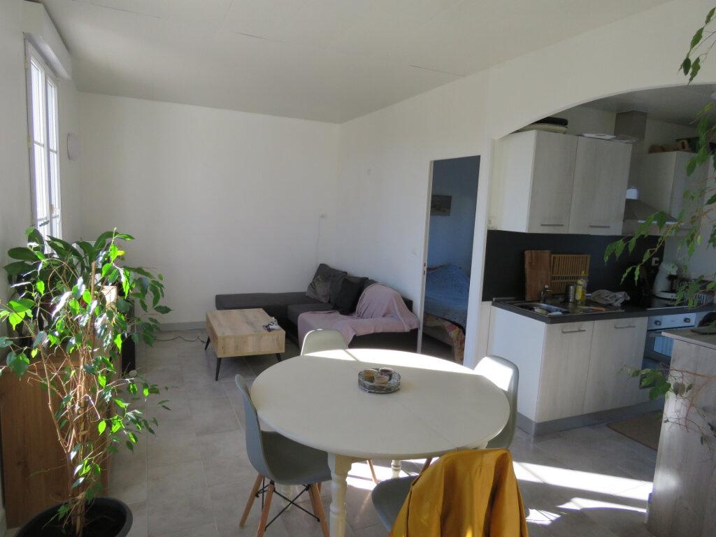 Maison à vendre 5 103m2 à Grosbreuil vignette-3