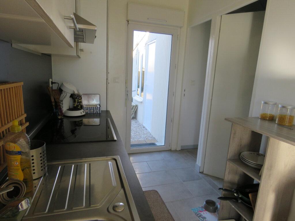 Maison à vendre 5 103m2 à Grosbreuil vignette-9