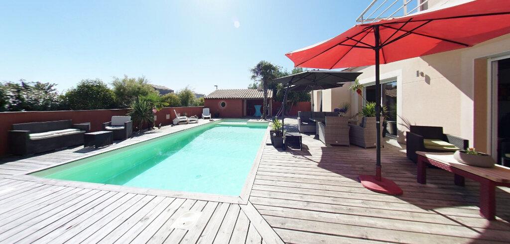 Maison à vendre 6 162m2 à Talmont-Saint-Hilaire vignette-1