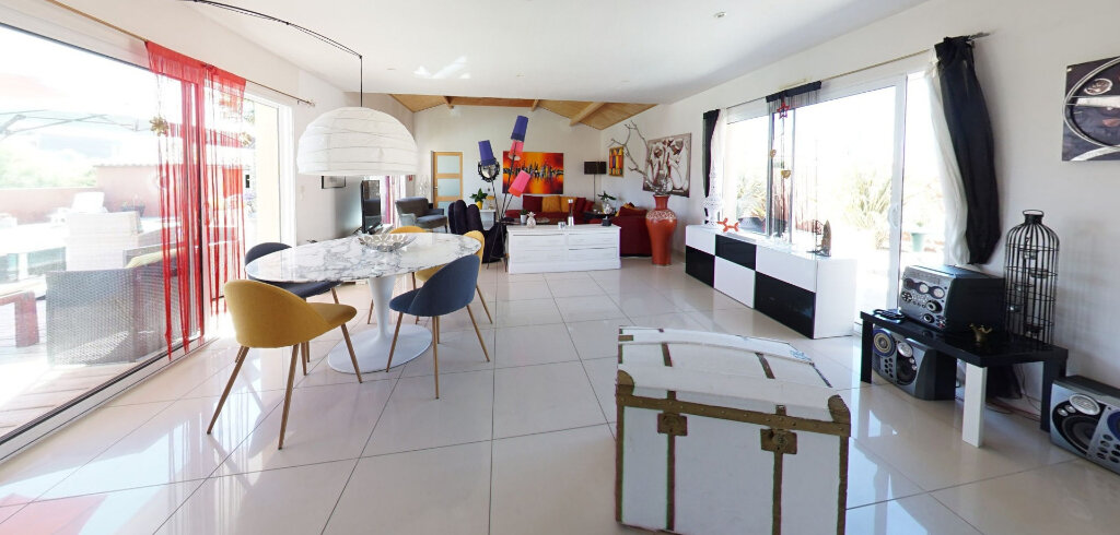 Maison à vendre 6 162m2 à Talmont-Saint-Hilaire vignette-2