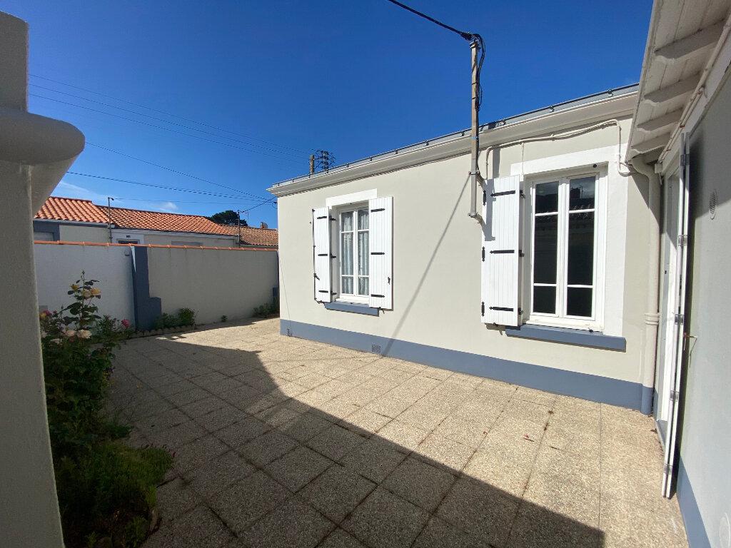 Maison à vendre 4 87m2 à Les Sables-d'Olonne vignette-4