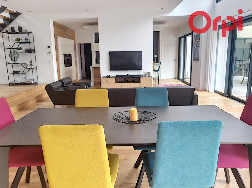 Maison à vendre 10 280m2 à Talmont-Saint-Hilaire vignette-3