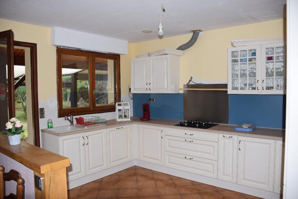 Maison à vendre 5 110m2 à Grosbreuil vignette-6